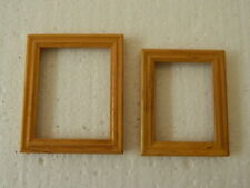 (M4.24) DOLLS HOUSE PACK OF TWO PICTURE FRAMES