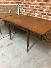 Vintage Table Mid Century With Extendeable Leaves
