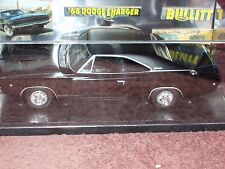 REVELL 1968 DODGE CHARGER BULLITT 1/25 w DISPLAY CASE & GRAPHICS