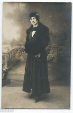 BM545 Carte Photo vintage card RPPC Femme mode fashion décor studio manteau noir
