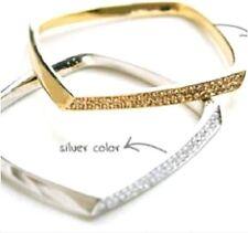 Zwei ringe Silber- mit Esmeraldas Opal und Saphire fehlt 1 Stone Jede