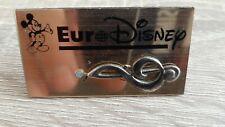 pin's badge DISNEYLAND PARIS EURO DISNEY