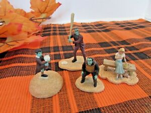 HAWTHORNE VILLAGE PLAY BALL 4 PC ACCESSORY FROM THE MUNSTERS LotD
