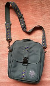 Small Green Carlton Travel Bag, Ideal For Passports/Medication/Day Trips etc....