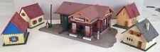 FALLER HO maison à colombage + 4 petits bungalows figurines