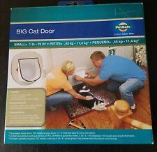PetSafe Pet Door For Big Cat / Small Dog Up To 25lb 4 Way Lock - Unused Open Box