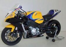 Motocicletas y quads de automodelismo y aeromodelismo plástico Suzuki de escala 1:12