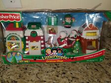 RARE New 2004 Fisher Price LITTLE PEOPLE Christmas Village SANTA CLAUS Sleigh
