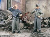 Verlinden 1/35 2279 2 deutsche Panzermänner Stug stehend