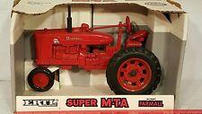 Ertl McCormick Farmall Super MTA 1/16 diecast farm tractor replica collectible