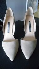 French Connection Taupe Patent and Suede Heels Size 7.5 (41)