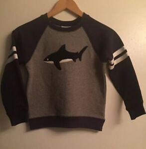 NWT HANNA ANDERSSON Shark Applique Gray / Navy Crewneck Sweatshirt 120cm / 6-7