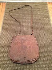 UNUSUAL SHAPE & SIZE VINTAGE TOOLED LEATHER MESSENGER PURSE HAND SHOULDER BAG