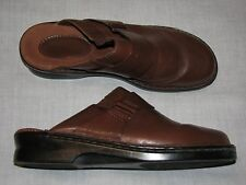 8 M Naturalizer Brown Leather Ladies Shoes Mules Flat Buckle Work Dressy Walking