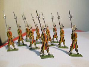Lot de 10 soldats en étain plats  peints ancien guerre