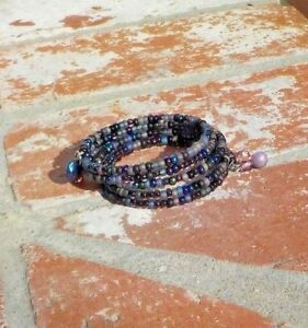 PURPLE & BLACK GLASS BEADS MEMORY WIRE WRAP LADIES BRACELET WITH FREE SHIPPING