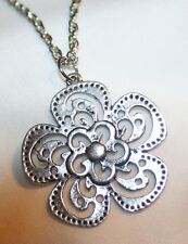 Cutwork Picot Rimmed Silvertn Flower Pendant Necklace +++++