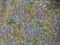 neuf ,vintage tissu  1m,40x,1,25,coton ,petites fleurs ,petits vétements pou pee