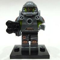 "LEGO Collectible Minifigure #71000 Series 9 ""ALIEN AVENGER"" (Complete)"