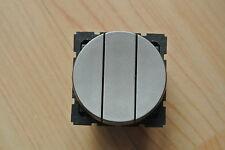 LEGRAND Designer arteor 5731 73 Triplo Interruttore CIRCOLARE 2/1w Modulo 20 axmagnesium