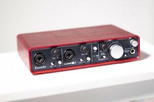 Focusrite Scarlett 2i4 USB Audio-Interface für Recording (1st Gen)