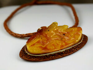 """18,5"""" Genuine Baltic Amber Figurine and Artistic Leather Necklace 2 Frogs"""