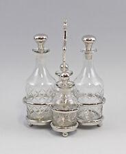 9977375 silberfarben vernickelt Glas geschliff. Menage Öl/Essig 4 Karaffen H26cm