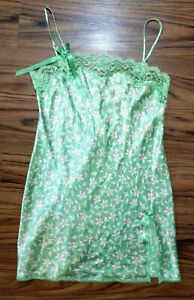 Victoria Secret Lingerie Women's Medium Green Red White Floral Lace Nightgown