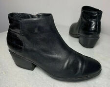 Clarks Women's Ankle Boots Booties 20701 Size 7.5 M Black Leather Croc Print