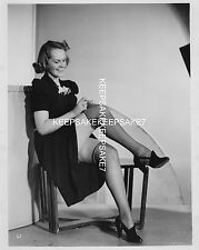 LEGGY MODEL 1940s-1950s PULLING ON HER NYLON STOCKINGS UPSKIRT PHOTO  A-UKN15