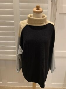 COTTON KNIT IVERSIZED CHUNKY POLO NECK IN BLACK/BEIGE/GREY