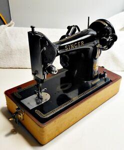 sewing machine & case, portable, old. Singer 99K England VG