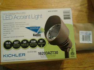 40% off! Kichler 16203AZT30 Landscape LED 8-Bulb Accent Light  + 15601 Mount