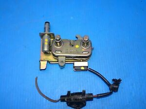 92-95 PORSCHE 968 HOOD LOCK LATCH CATCH WITH MICRO SWITCH & PIN 94451102700