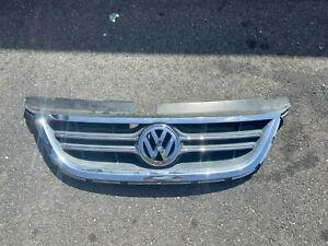 2009-2014 Volkswagen Routan Upper Complete Grille Assembnly