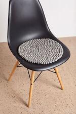 myfelt Carl Filzkugel Sitzauflage rund 36 cm, graue Stuhlauflage, Sitzkissen
