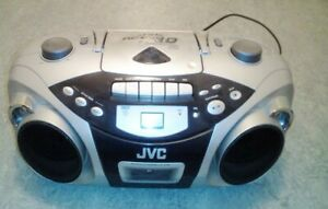 JVC RC EX10 CD-Player Kassette CD Radio Stereoanlage Boombox UKW Radio silber