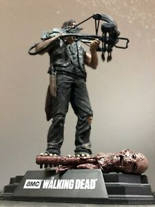 McFarlane The Walking Dead TV - Daryl Dixon 17cm Figur mit Zombiekopf *SELTEN*
