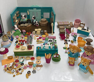 Lil Woodzeez Grocery Store With Accessories & 10 Animals Lot Set Home, Bakery