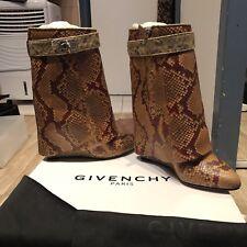 Boots Givenchy shark