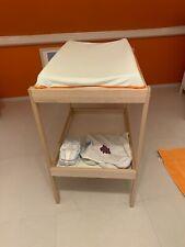 table à langer avec matelas et housse