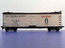 "HO-scale ""Van Camp Milk Co"" VCMX 122  Forty Foot Reefer Freight Train Box Car"