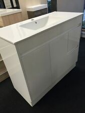1000mm x 460mm Bathroom Vanity With Ceramic Basin Top.