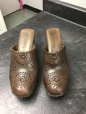 Jack Rogers Women's Shoe Clogs. Brown Leather. Wood Platform. Size 7.5 Med. EUC