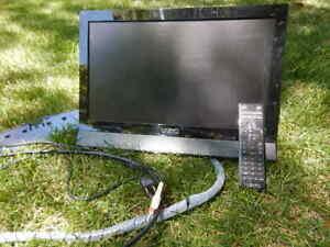 """Vizio M190VA 19"""" LCD LED HDTV with remote"""