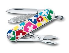 VICTORINOX CLASSIC SD VX SWISS ARMY POCKET KNIFE 0.6223.841
