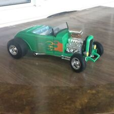 ERTL 1:18 SCALE DIE CAST GREEN 32 FORD ROADSTER-- Modified Engine& Body Mint!!!!