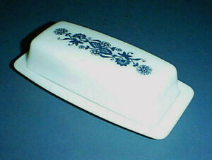 Vntg PYREX White Milk Glass OLD TOWN BLUE ONION 1/4 lb Covered Butter Dish 72-B
