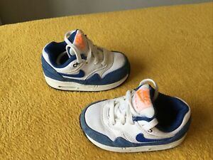 GOOD CONDITION BABY BOYS NIKE AIR MAX TRAINERS SIZE INFANT 4.5