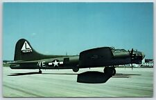 """Boeing B-17G """"Flying Fortress"""" USAF Museum W-PAFB Ohio Airplane Postcard"""